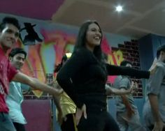 Sonakshi will be IIFA's Munni Badnaam http://www.ndtv.com/video/player/news/sonakshi-will-be-iifas-i-munni-badnaam-i/234989
