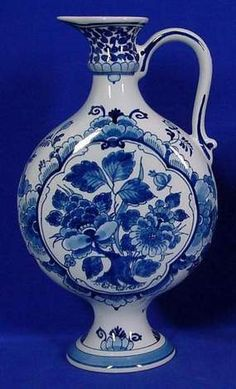 Galleria D'arte Rinascimento - Delft Art and Antiques Blue And White China, Blue China, Red White Blue, Delft, Dutch Golden Age, Blue Pottery, Tea Art, Pottery Making, Glazes For Pottery