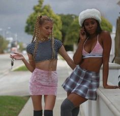 Find images and videos about girl and style on We Heart It - the app to get lost in what you love. Aesthetic Fashion, Look Fashion, 90s Fashion, Fashion Outfits, Womens Fashion, Clueless Aesthetic, Five Jeans, Early 2000s Fashion, Street Style