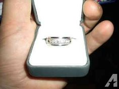 AWESOME MEN'S WEDDING RING 14K WHITE GOLD AND .75cts IN DIAMONDS - $650 (BAY VILLAGE)