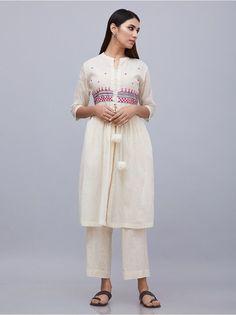 Best 12 Off White Hand Embroidered Muslin Cotton Kurta Printed Kurti Designs, Salwar Designs, Kurti Designs Party Wear, Indian Attire, Indian Outfits, Indian Dresses, Kurti Embroidery Design, Hand Embroidery, Embroidery Dress