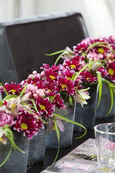 Arrangement with #chrysanthemum #Haydar (photo: Royal van Zanten)
