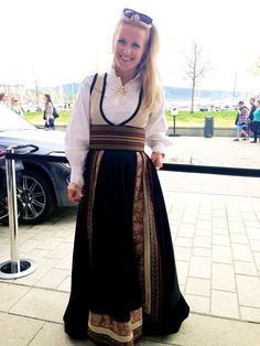 eva lie - Google Search Lace Skirt, Bohemian, Costumes, Formal, My Style, Skirts, Outfits, Europe, Google Search