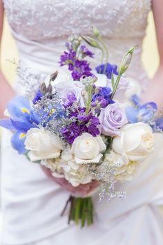 Las sombras de la boda azul y púrpura Florida