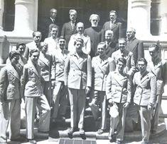 Elevii palatini şi profesorii lor la sfârşitul clasei a IV-a, 1936. Clasa Palatină a fost înființată în anul 1932, pentru Mihai I al României.