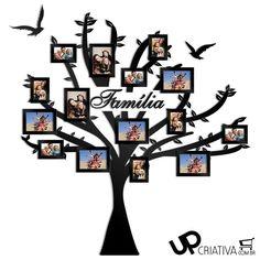 Árvore de Fotos Família Em MDF Pintado- Lindo painel em formato de árvore em MDF, perfeito para exposição das fotos da família em um lugar especial de sua casa! Especificações: Recorte em MDF formato de árvore + 2 pássaros + 1 palavra personalizada Contém 15 molduras, sendo; 7un - para fotos tamanho 10x15 e 8un para fotos 15x21 não acompanha os vidros. Material: MDF com Pintura Especial em Tinta Laca e Fundo Primer, garantindo perfeito acabamento. Dimensões: Largura: 173 cm   Altura: 180 cm…