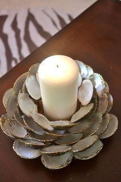 Seashell Candle Holder - so cute and would be great for a beach wedding.  Easy to make to!!
