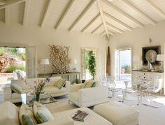 Weißes Wohnzimmer mediterräner Wohnstil Decken Gestaltung