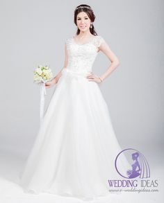 Scoop necklace with lace straps, lace design on the bodice. Satin A-line skirt, tulle design on the end of bodice. More wedding ideas at http://www.e-weddingideas.com/2016/04/14/the-fifth-part-470-amazing-wedding-dresses-youve-never-seen/ #wedding #bridal #weddingdress #brides #ideas #dresses