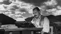 Ernest Miller Hemingway was an American novelist, short story writer, and journalist. Here's our collection of wise and honest Ernest Hemingway quotes: Ernest Hemingway, Hemingway Frases, Dylan Thomas, Bob Dylan, Illinois, Patrick Modiano, War Quotes, Writing Quotes, Fiction Writing