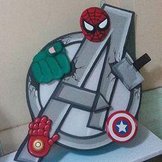 """Piñata de silueta grande #decoracion #fiestainfantil #fiestas #losvengadores #avengers #theavengers #piñateria #piñatas Contáctanos por el 04121211362 @creacionessanz """"le damos vida a tu fiesta"""""""