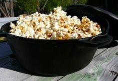 Popcorn or Kettle Corn in Dutch Oven
