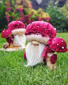 Christmas Gnome, Christmas Ornaments, Scandinavian Gnomes, Fabric Dolls, Hobbies And Crafts, Pin Cushions, Nursery Decor, Stuffed Mushrooms, Bearded Men