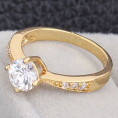 Chic 18K Gold Plated Copper Ring Inlay White Round Zircon Special Design Rings Two Sizes