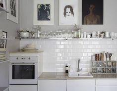 Small & Low Cost : Cocinas con Electrodomésticos Blancos - Kansei