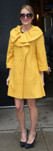 i looked for this yellow coat everywhere but it was sold out :(