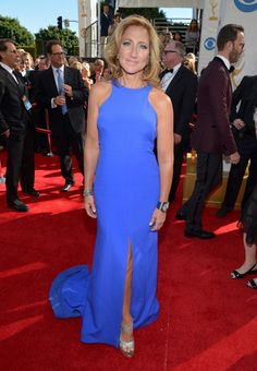 Edie Falco Looks Exceptional In Escada At The 2013 Emmy Awards! Blue Dresses, Formal Dresses, Wedding Dresses, Carrie Underwood Photos, Beauty Kit, Designer Gowns, Red Carpet Looks, Celebs, Celebrities