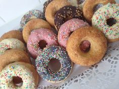 Donut Maker, Good Food, Yummy Food, Vanilla Cookies, Baked Donuts, Doughnuts, Food Blogs, Oven Baked, I Foods
