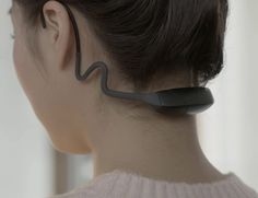 Due to the ideal placement on your neck, ALEX is able to precise and accurately rack and measure your posture.