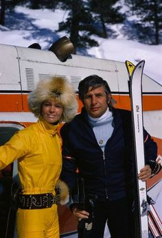 Mirja and Gunter Sachs at the Swiss ski resort of St. Gunter Sachs was a German millionaire and former husband of French actress Brigitte Bardot. Get premium, high resolution news photos at Getty Images Apres Ski Mode, Apres Ski Party, Ski Fashion, School Fashion, Winter Fashion, Ski Vintage, Vintage Travel, Vintage Posters, Vintage Photos