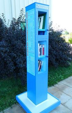 Little Library, Little Free Libraries, Free Library, Library Book Displays, Library Books, Library Ideas, Community Library, Community Building, Peace Pole