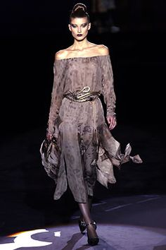fall-2002-couture/valentino/collection