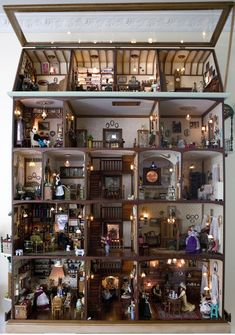 Doll's house made by Frans and Christina Bosdyk The Bosdyk doll's house is a unique example of the art of the miniature. It competes with the very best in the tradition of Dutch dolls' houses, renowned in the seventeenth century for their style Vitrine Miniature, Miniature Rooms, Miniature Crafts, Miniature Houses, Dollhouse Kits, Wooden Dollhouse, Wooden Dolls, Dollhouse Miniatures, Tyni House