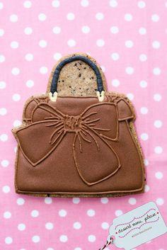 Purse Cookie~                        by Dessert Menu, Please, via Flickr, Brown bow