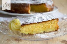 Cari lettori, se cercate una torta da colazione semplice e leggera, provate la mia torta 12 cucchiai! Si tratta di un dolce preparato sen