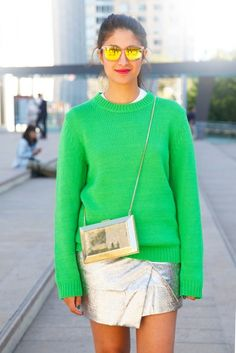 STYLING TIPS - How to wear PANTONE Color Of The Year - #Greenery:  http://www.fashionstudiomagazine.com/2016/12/fashion-trends.html  #fashion #style #trends #tips #styling #PANTONE #colors