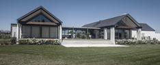 Modern Barn House, Modern House Design, New Zealand Architecture, Architecture Design, U Shaped Houses, Rural House, Farm House, New Zealand Houses, Home Design Floor Plans