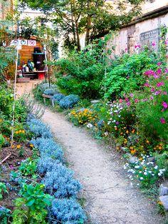 Jardin partagé du passage des soupirs, Paris 20eme