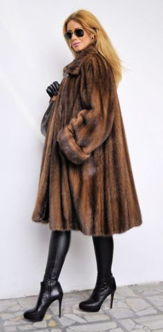 Mary J. Blige - Lunaraine mink coat with scalloped hem and Louis ...