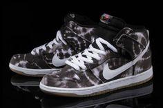 pretty nice 062e1 40ca6 Nike SB Dunk High Premium Tie Dye