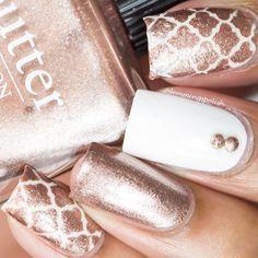Gorgeous nails by using Whats Up Nails moroccan stencils and… Dry Nail Polish, White Nail Polish, Nail Polishes, Manicure, New Nail Art, Cute Nail Art, Gorgeous Nails, Pretty Nails, Nail Tape