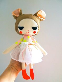hand+painted+linen+mouse+doll+by+JessQuinnSmallArt+on+Etsy,+£48.75