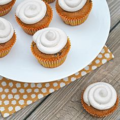 Pumpkin Chocolate Chip Cupcakes with Cinnamon Cream Cheese Frosting