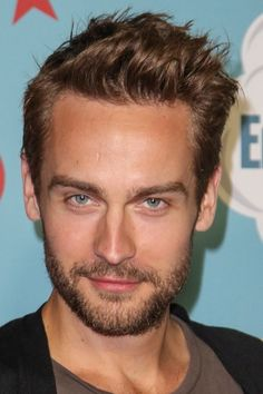 ichabeard-crane:  these are 8000% his bedroom eyes. and they are effective.