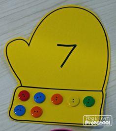 Play to Learn Preschool: Mitten Button Counting by dorthy Numbers Preschool, Preschool Lessons, Preschool Learning, Kindergarten Math, Preschool Crafts, Preschool Winter, Teaching, Pre K Activities, Classroom Activities
