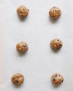 Vegan Chocolate Chip Cookies, Oven, Butter, Babies, Instagram, Babys, Ovens, Baby, Preserve