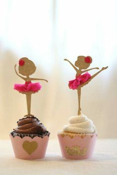 Ballerina Cupcake Toppers - so cute and stunning to every girls sight. Very pretty for any dancers party❤️ Cupcake Bailarina, Ballerina Cupcakes, Dance Cupcakes, Sweet Cupcakes, Cupcake Toppers, Cupcake Cakes, Ballerina Birthday Parties, Girl Birthday, Stage Patisserie