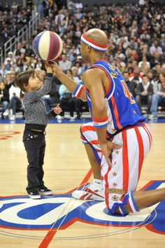 Harlem Globetrotters come to South Jersey! brought to you by the Marketing Department at The Press of Atlantic City Visit Omaha, Harlem Globetrotters, Basketball Legends, Atlantic City, The Marketing, Travel Inspiration, Nba, Bring It On, Celebrities