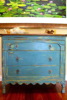 """MakeMePrettyAgain: Another dresser re-do like the """"crack-house"""" dresser."""