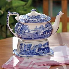 Blue And White China, Blue China, Green And Purple, Yellow, Traditional Teapots, Blue And White Dinnerware, White Dishes, Blue Pottery, Tea Service
