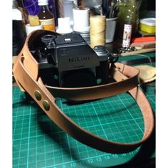 Saya menjual Fixed leather camera neck strap seharga Rp600.000. Dapatkan produk ini hanya di Shopee! https://shopee.co.id/monikanurinda/534769135 #ShopeeID