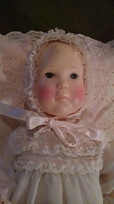 VINTAGE EFFANBEE BABY LISA DOLL 1980 IN DARLING DRESS WITH LACE PILLOW!!!