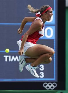 Monica Puig, of Puerto Rico, leaps in the air after defeating Petra Kvitova, of… Monica Puig, Angelique Kerber, Olympic Games Sports, Olympic Gymnastics, Gymnastics Quotes, Wta Tennis, Sport Tennis, Tennis Players Female, Rio De Janeiro