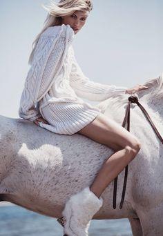 Vogue Mexico November 2015 Model: Devon Windsor Photographer: Dean Isidro