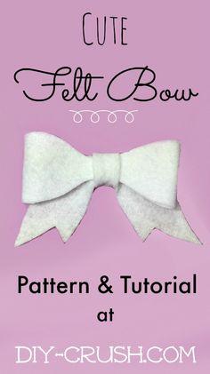 Cute Felt Bow Pattern and Tutorial at DIY Crush