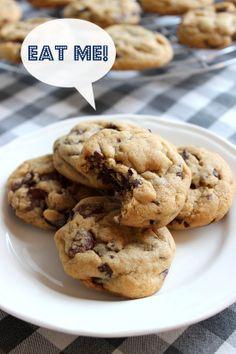 Wicked sweet kitchen: Chocolate chip cookies - Amerikkalaiset suklaahippukeksit